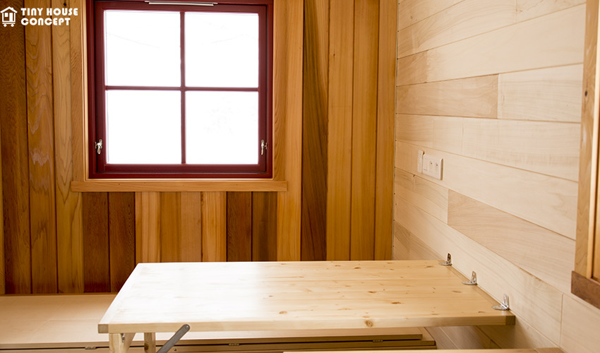 table de la tiny house aten